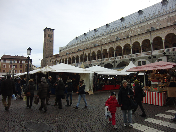 Padova e i mercatini di natale csi multimedia for Mercatini padova